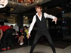 キレのあるダンスで客席を魅了!