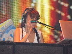 そしてナンバー発表前の豪華DJは…あの超有名!!DJ KAORIです!!
