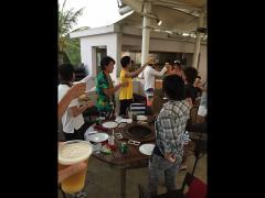 グアム最終日の夜みんなでBBQ♪心代表の音頭で乾杯生ビール!