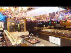 店内もキラキラ装飾がされていて雰囲気抜群!