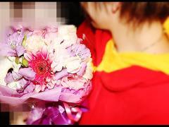 こんなかわいらしい花束が贈られました♪