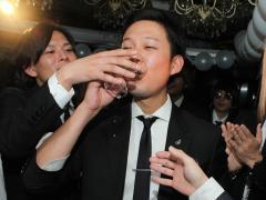 心代表も嬉しさのあまりシャンパンを飲む手が止まりません!