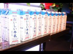 本日は牛乳タワー!? なんと将暉クン本人が全部買いに行ったそうです。ストイック…!!