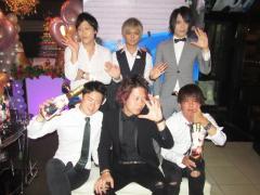 最後はこの集合写真で締めます!!以上!「TOPDANDY 1st」より片倉結平取締役卒業式の模様をお届けしました!!