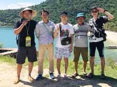 航部長、海斗部長、大樹幹部補佐が現地の方と記念撮影☆