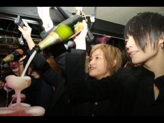 その後はみんなでシャンパンを投入~★