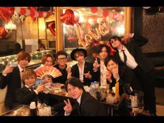 こちらは「RED」より麗総支配人とKAKERUproducerがお祝いに来てくれました!