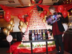 綾野 剛副主任バースデーイベントが行われました!まずはタワー前の一枚☆